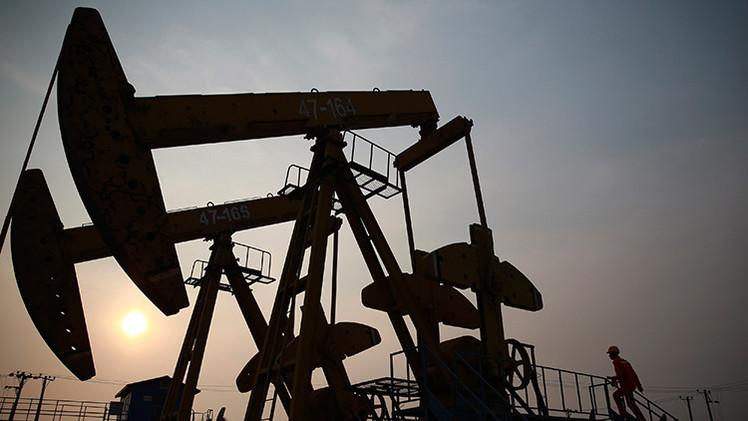 """""""Irán rompe el monopolio de EE.UU. en los fluidos de perforación petrolera"""""""
