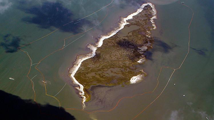 Video: El derrame de BP hizo desaparecer una isla entera en el golfo de México
