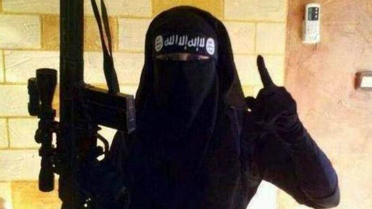 """""""Hay otros caminos"""": emotiva carta de adolescentes a una chica para que abandone el Estado Islámico"""