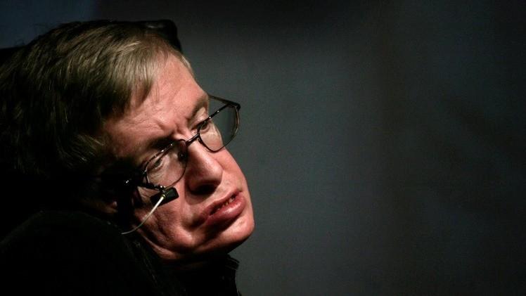 'Rebelión de las máquinas': Hawking alerta que las computadoras someterán a la humanidad en 100 años