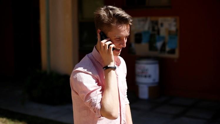 """Médico australiano: """"Los celulares están directamente relacionados con el cáncer cerebral"""""""