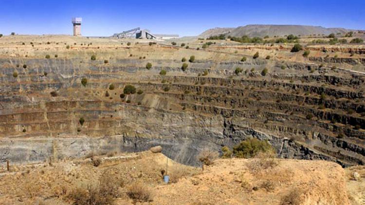 Foto: ¿Cuánta tierra hay que excavar para obtener una pelota de diamantes?