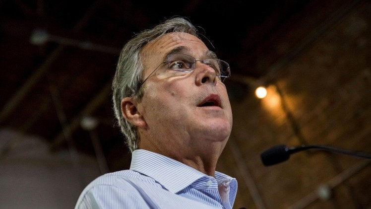 "Estudiante a Jeb Bush: ""Su hermano creó el Estado Islámico"" (Video)"