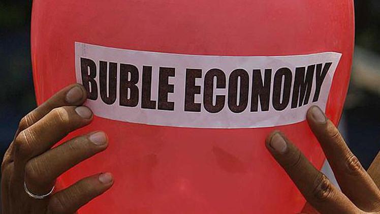 """Experto: """"Millones de personas morirán en todo el mundo cuando la burbuja de la deuda estalle"""""""