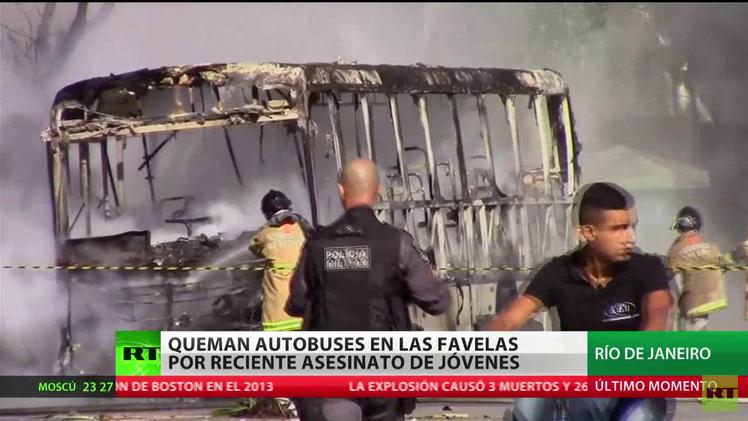 Brasil: Queman autobuses en las favelas en protesta por reciente asesinato de jóvenes