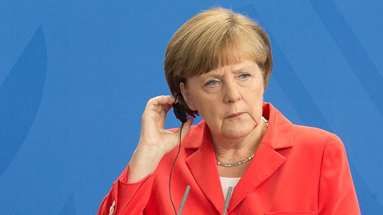 'Der Spiegel': Por EE.UU. Angela Merkel violó el juramento de canciller de Alemania