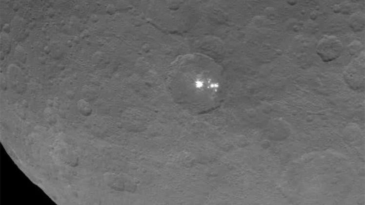 Video: La NASA fotografía los misteriosos puntos brillantes de Ceres más cerca que nunca