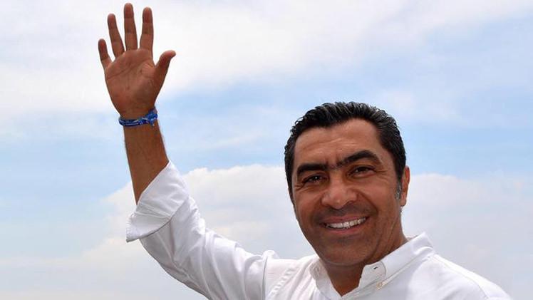 """Indignación en México: Un candidato conservador dice que """"las mujeres son de sus maridos"""""""