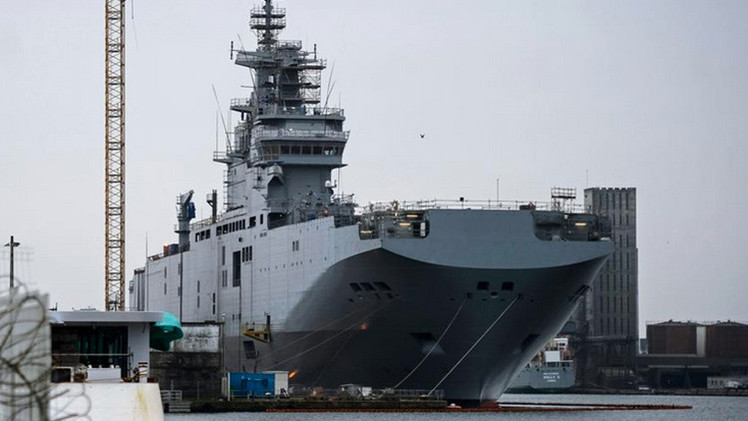 """Político francés: """"París no ejecuta el contrato con Rusia sobre los Mistral bajo presión de EE.UU."""""""