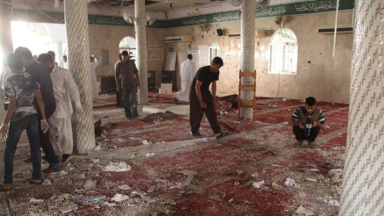 Video: 20 muertos y 80 heridos en un ataque terrorista del EI a una mezquita en Arabia Saudita