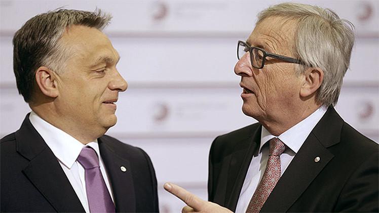 """Junker, dándole una palmada al líder húngaro: """"¡El dictador está llegando!"""""""