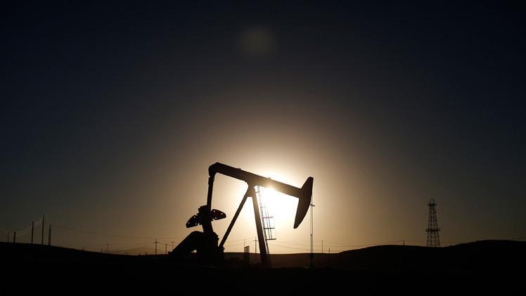 Días contados para el petróleo: ¿qué recurso le está pisando los talones al oro negro?