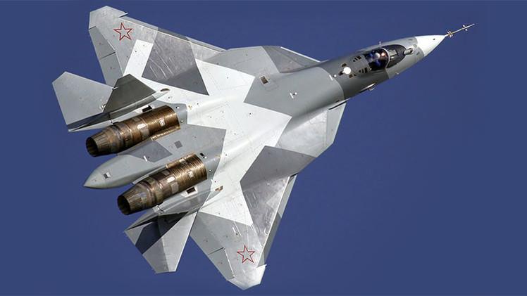 """El avanzado caza ruso T-50, un """"robot volador"""" tripulado"""