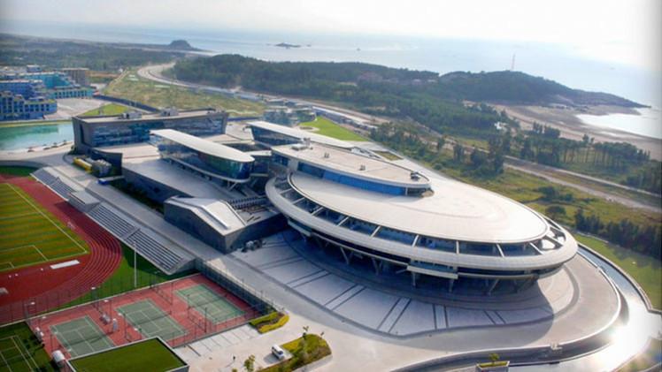 Video: Empresario chino gasta 100 millones de dólares en crear oficina al estilo de 'Star Trek'