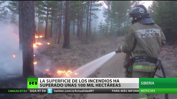 Rusia: La superficie de los incendios en Siberia ha superado unas 100.000 hectáreas