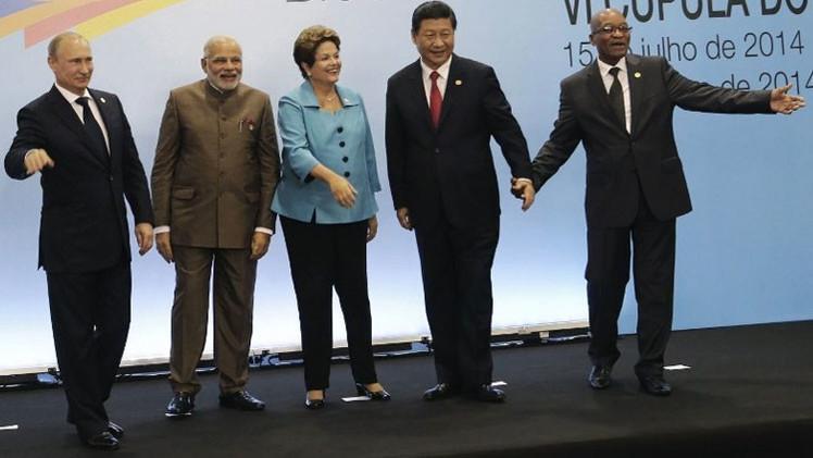 """Rusia: """"Tratan de frenar a los países del BRICS con influencia informativa"""""""