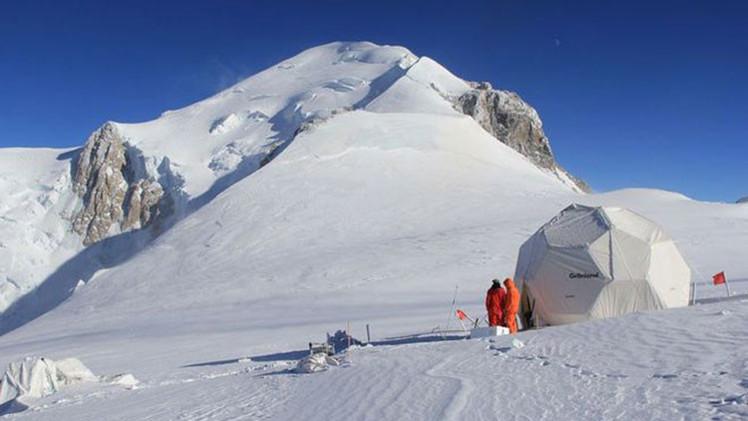 La nevera mundial: científicos quieren conservar hielo de los Alpes en la Antártida