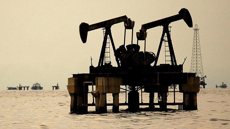 PRONTO: ¿A qué se debe la caída del precio del crudo? Averígüelo en 'Venezuela y Rusia en la mira'