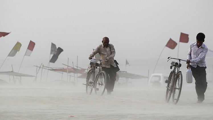 Fotos: La mortífera ola de calor de la India derrite el asfalto