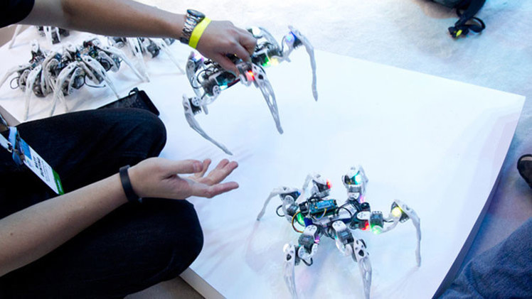 Video: robot con 'instintos animales' se recupera de daños en 40 segundos