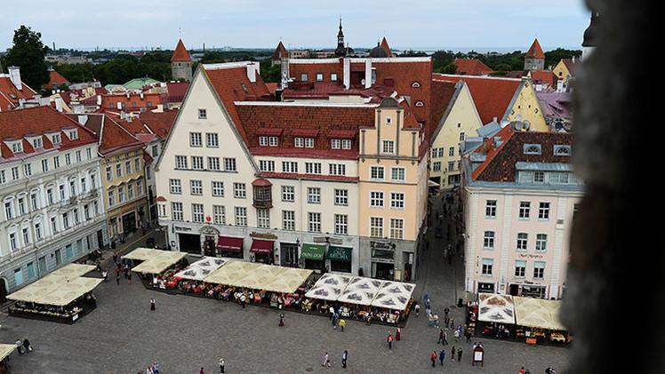 Embajada de EE.UU. en Estonia reconoce que espía a transeúntes en el centro de la capital