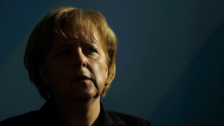 ¿Cómo Adolf Hitler 'persigue' a Angela Merkel?