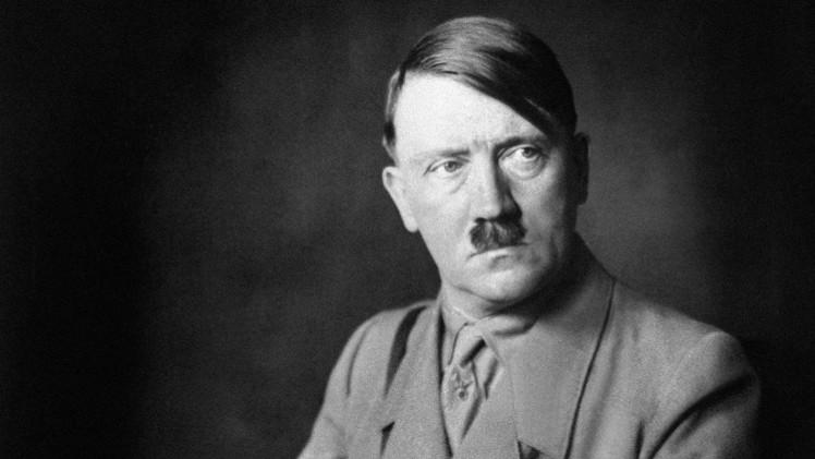 Revelan un absurdo plan secreto para feminizar a Hitler mediante hormonas