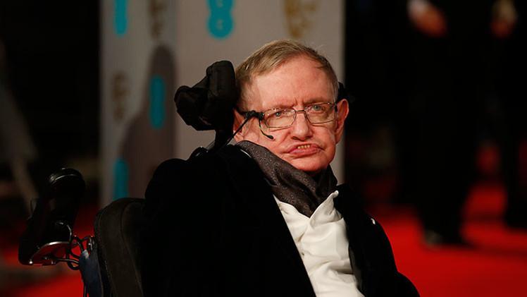 Stephen Hawking confiesa al público sus peores recelos
