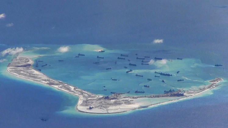 Pekín no descarta establecer una zona de defensa aérea en el mar de China Meridional