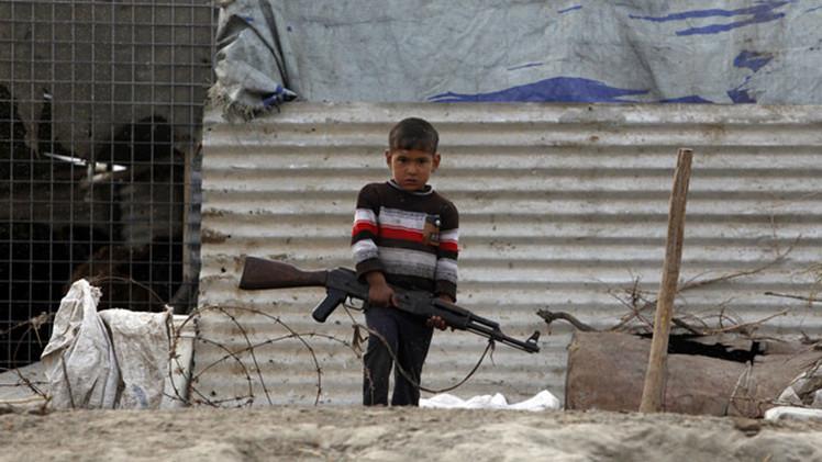 El EI secuestra a 500 niños iraquíes para usarlos en sus ataques suicidas
