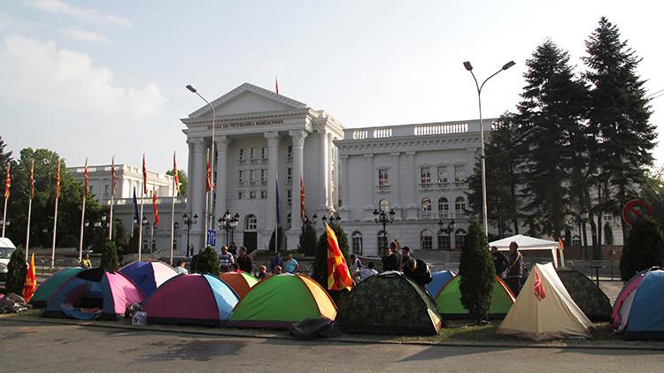 Estallan las protestas progubernamentales en Macedonia