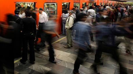 Varios heridos tras el choque de dos vagones de metro en la ciudad de México