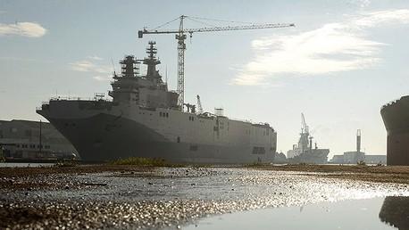 Francia contempla hundir los Mistrales que construyó para Rusia