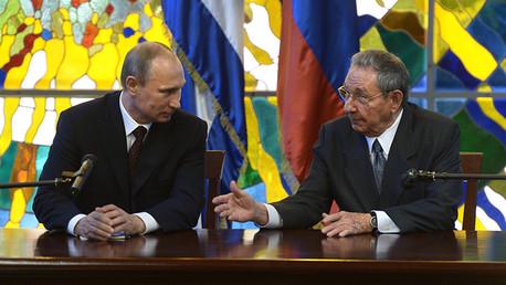 Raúl Castro y Vladímir Putin