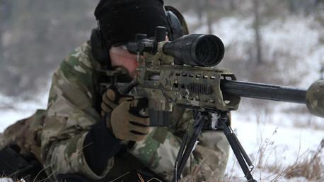 Video: Los francotiradores ruso y alemán realizan un duelo de rifles