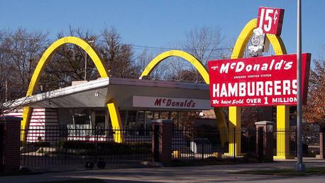 La historia oculta de McDonalds: ¿Cómo su fundador engañó a los creadores de la idea?