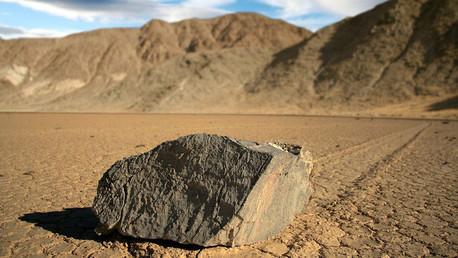 Descubren el misterio de las piedras deslizantes del Valle de la Muerte