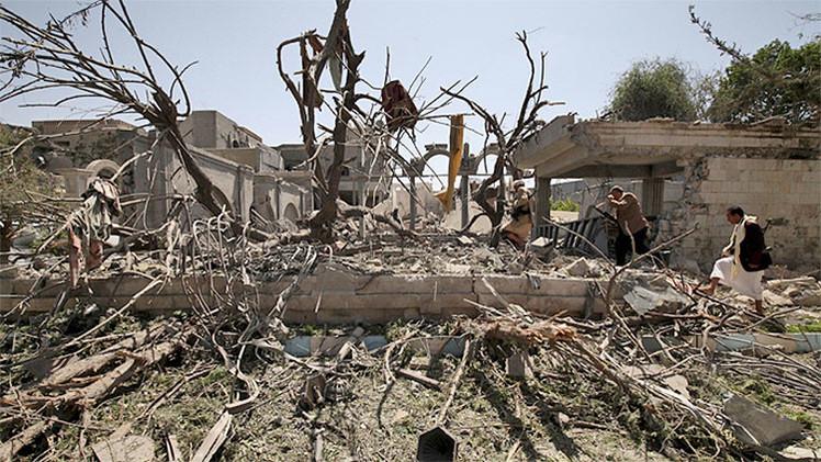 Rebeldes hutíes hallan armas israelíes en la Embajada saudita de Yemen