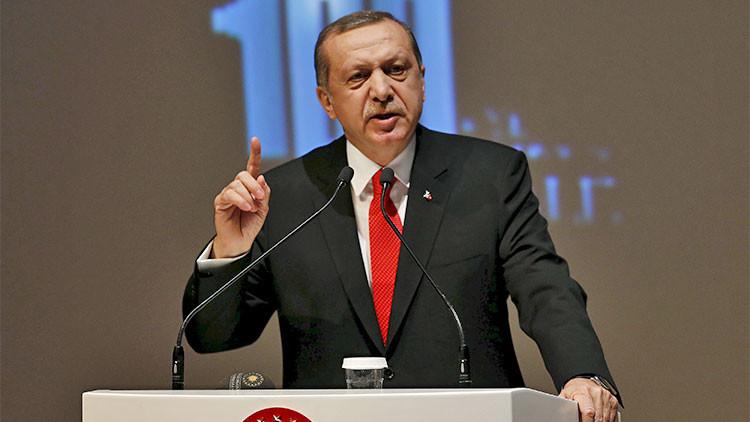 """Presidente turco: """"Si encuentran un retrete de oro en el palacio, dimito"""""""