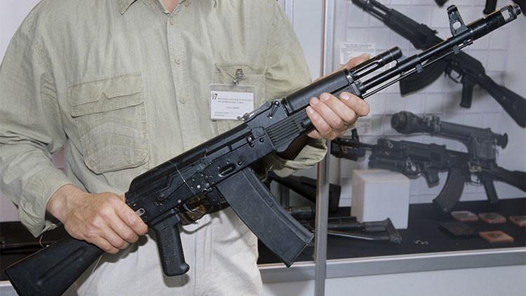 Grecia podría producir los famosos fusiles rusos Kaláshnikov