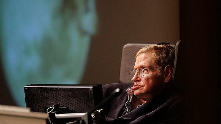 """Stephen Hawking: """"Considero la posibilidad del suicidio asistido si me vuelvo una carga"""""""
