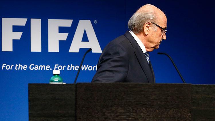 Blatter emprende la reforma de la FIFA tras el escándalo de corrupción