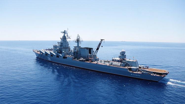 Buques de la flota rusa del mar Negro atracan en el puerto egipcio de Alejandría