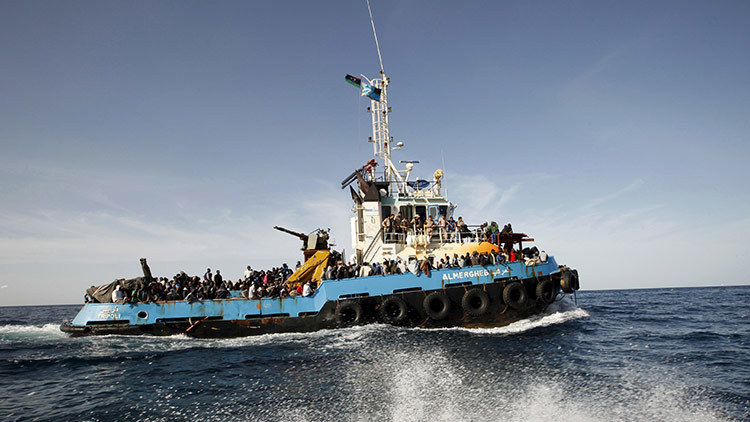 Historias de naufragios anunciados: Medio millón de migrantes espera en la costa libia