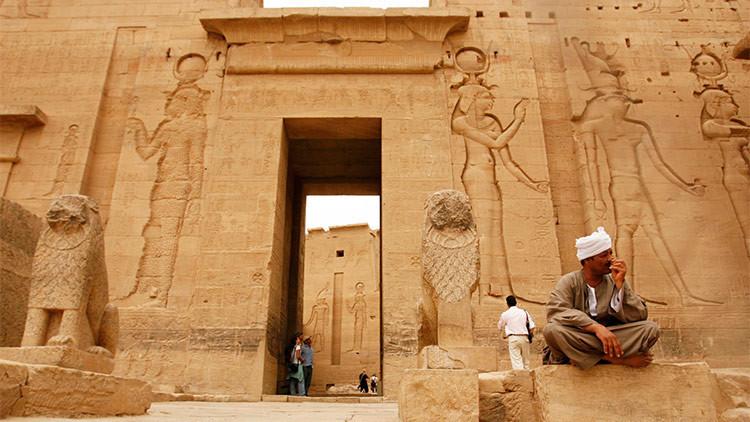 Hallan en Egipto seis tumbas con momias de más de 2.500 de años de antigüedad