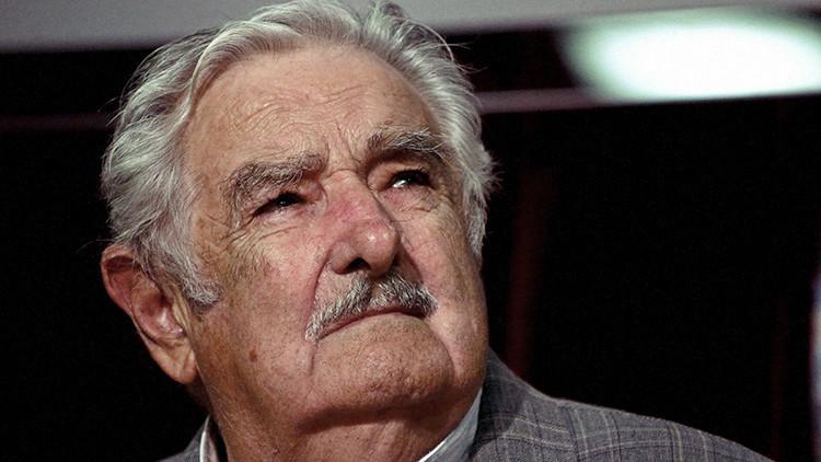 """Mujica: """"America Latina tiene amenaza de convertirse en una hoja al viento"""""""