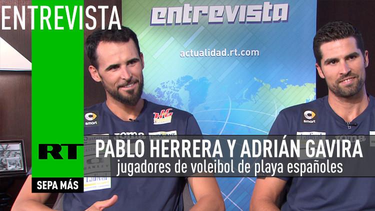 Entrevista con Pablo Herrera y Adrián Gavira jugadores de voleibol de playa españoles