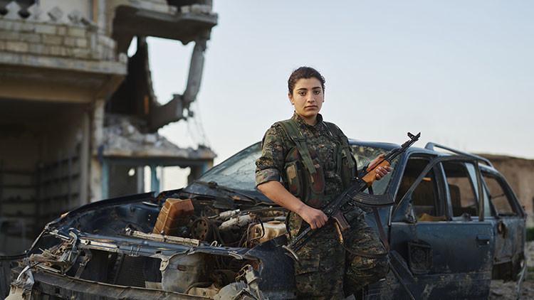 Imágenes extraordinarias: retratos de voluntarios kurdos que luchan contra el Estado Islámico