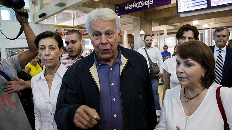 El expresidente español Felipe González abandona Venezuela