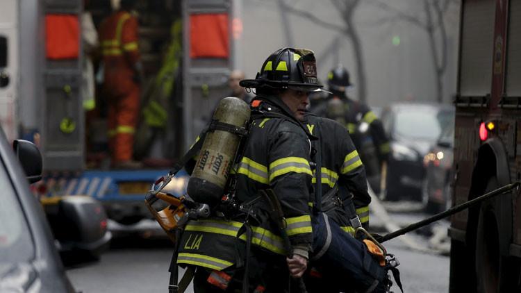 Evacuado un rascacielos de Nueva York por amenaza de incendio (Video, fotos)